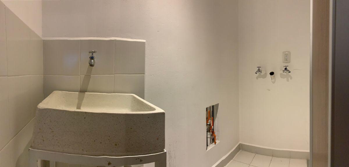 16 de 16: Área de lavado con tarja