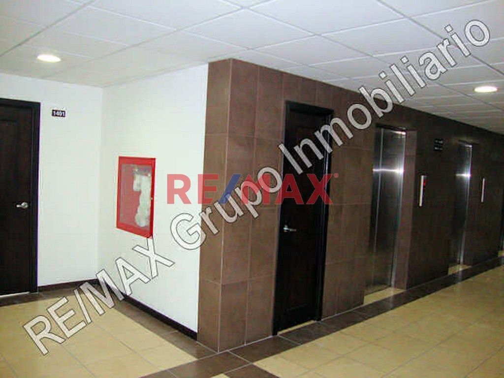 Remax real estate, Guatemala, Zona 10, Z.10 Rento Oficina En Edificio Torino