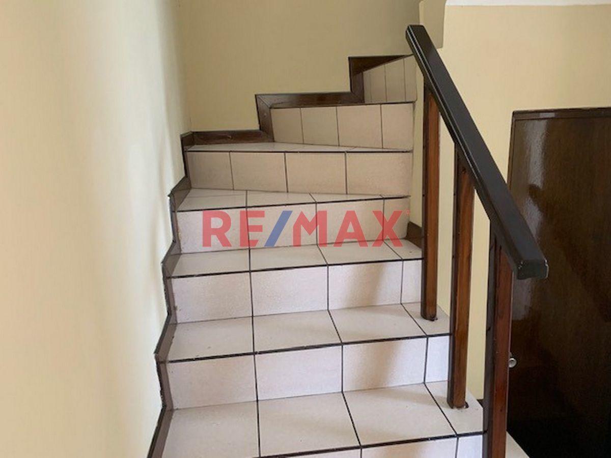 Remax real estate, Guatemala, Mixco, Z.8 De Mixco Casa Sobre Boulevard Principal Balcones De San Cristobal