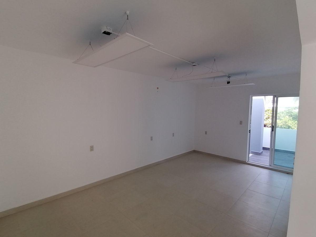 6 de 8: Área para módulos de oficina