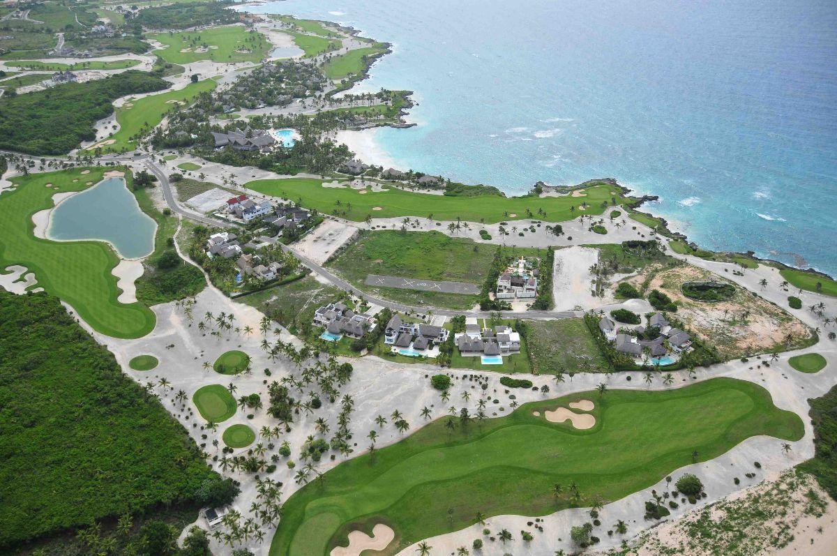 5 de 8: Punta Espada y el club de playa Caletón de Eden Roc
