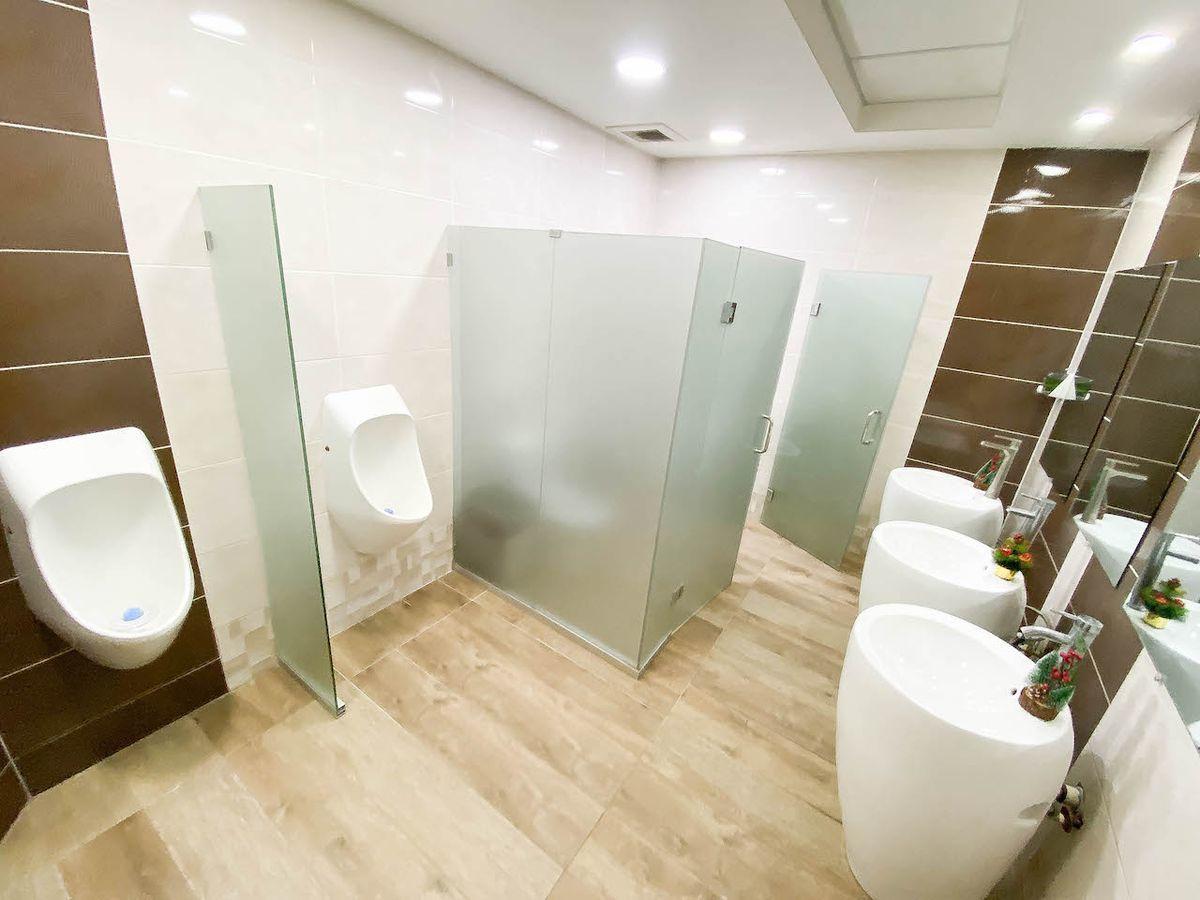 23 de 29: Baño común por piso