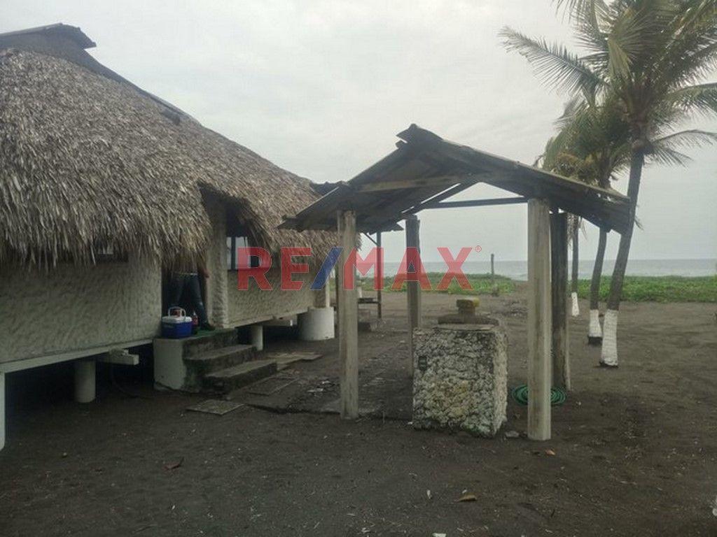 Remax real estate, Guatemala, Taxisco, Casa de Playa en Km. 13 Carr. a Monterrico