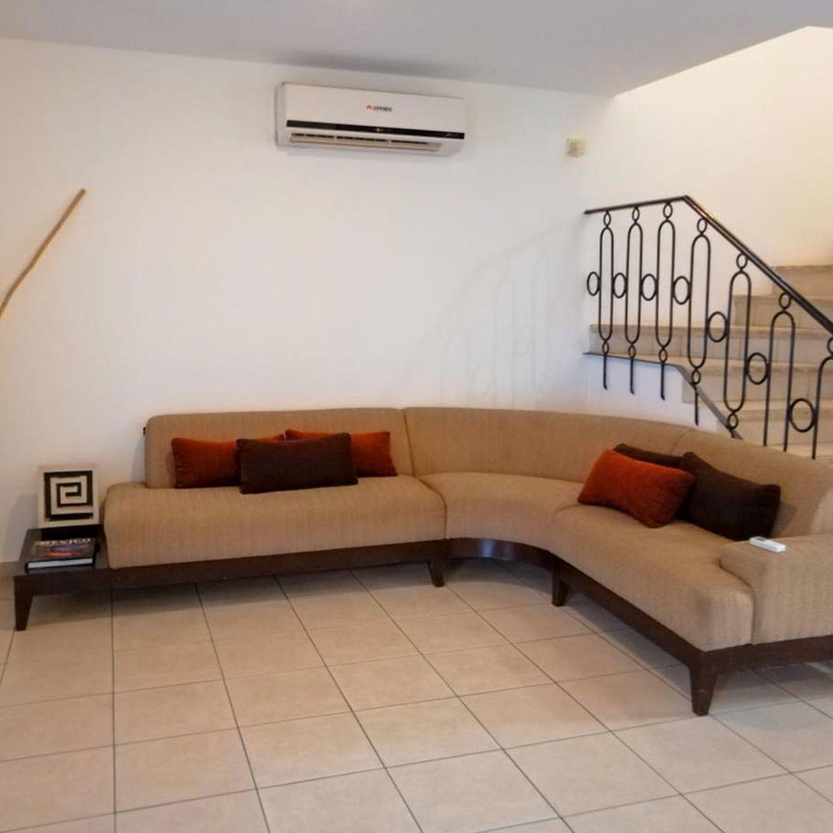 3 de 10: Su amplia sala ideal para cualquier tipo de mueble