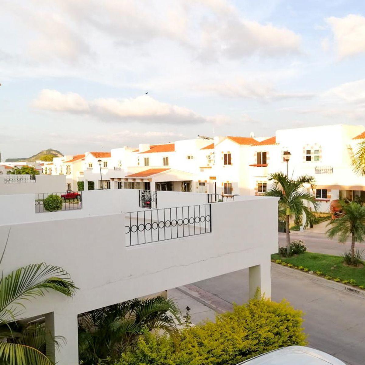 7 de 10: Su magnifica terraza ideal para disfrutar del clima