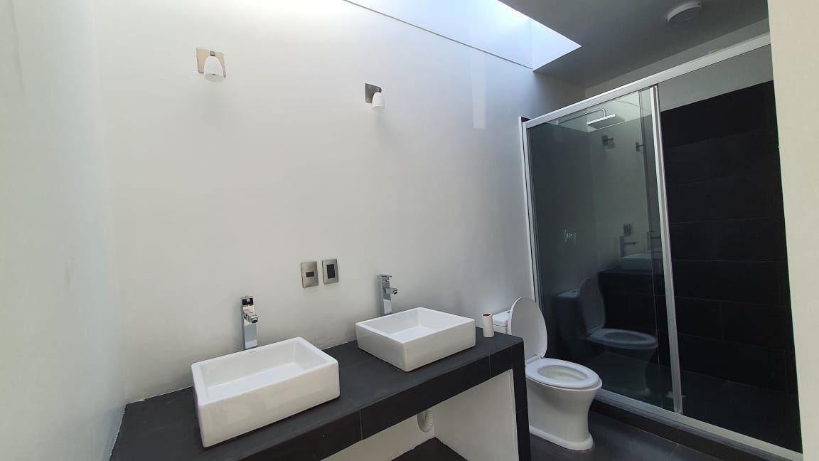 6 de 38: baño recamara principal