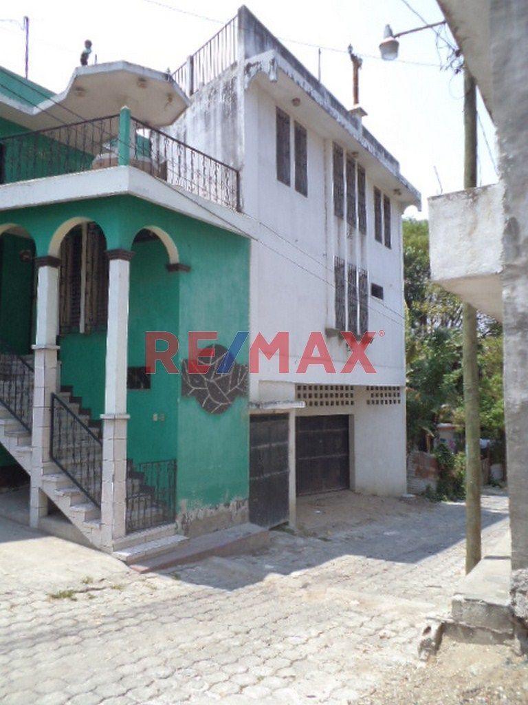 Remax real estate, Guatemala, Guastatoya, Propiedad para uso Comercial en el Centro de Sanarate, Ideal para bodega, Gasoli