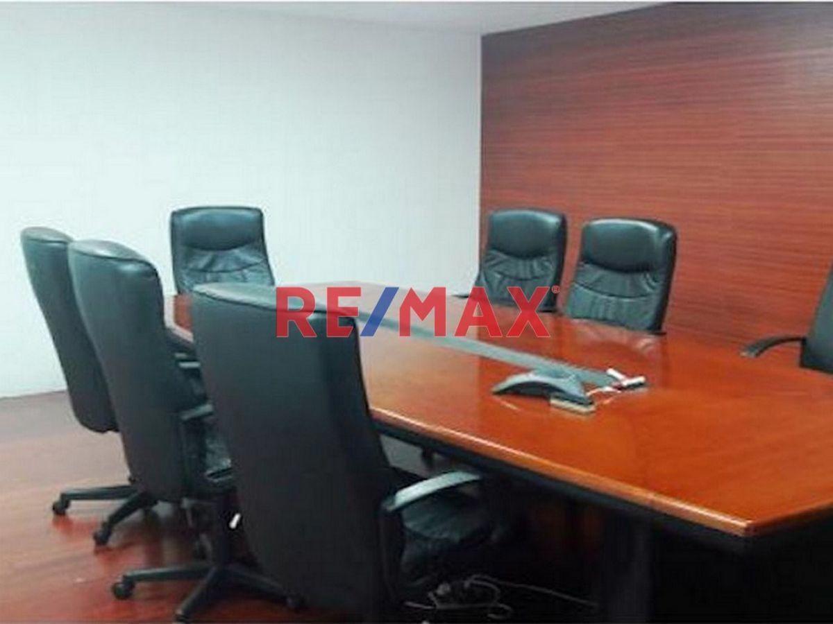 Remax real estate, Guatemala, Zona 15, PRECIOSA OFICINA EN PUNTO ESTRATÉGICO DE ZONA 15