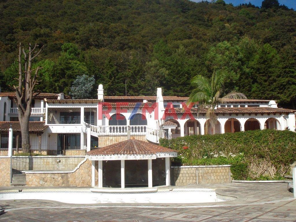 Remax real estate, Guatemala, Mixco, Villa Esperanza en Mixco, amplísima con 2 manzanas de terreno y preciosa vista d