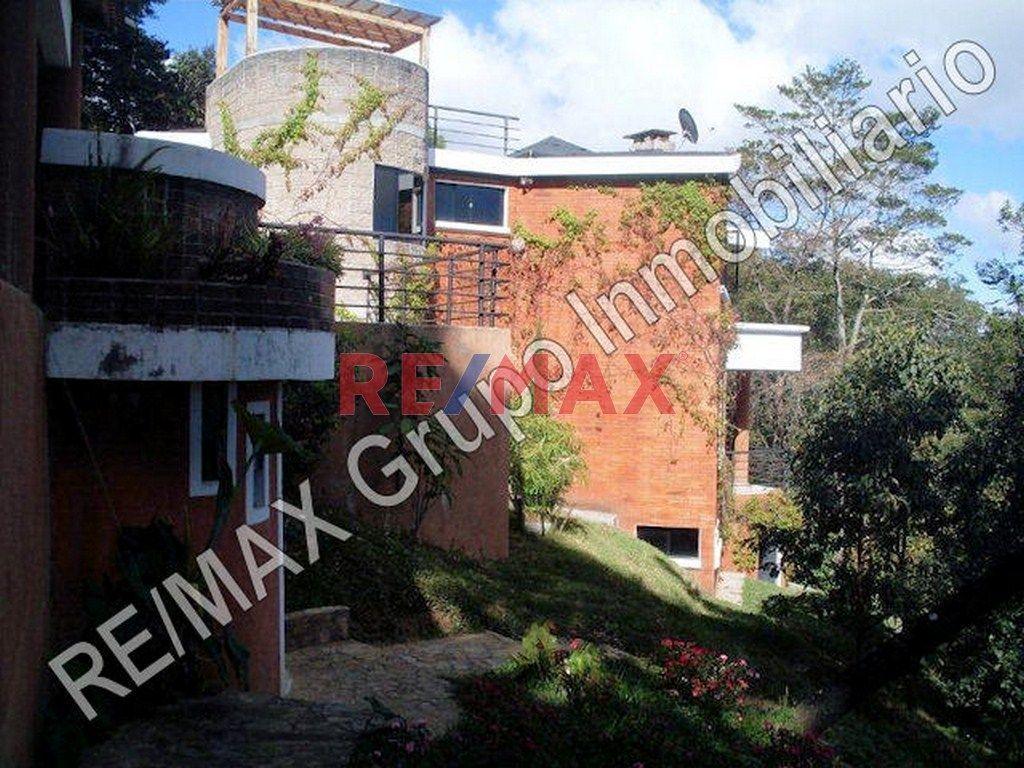 Remax real estate, Guatemala, Mixco, Linda casa en El Encinal