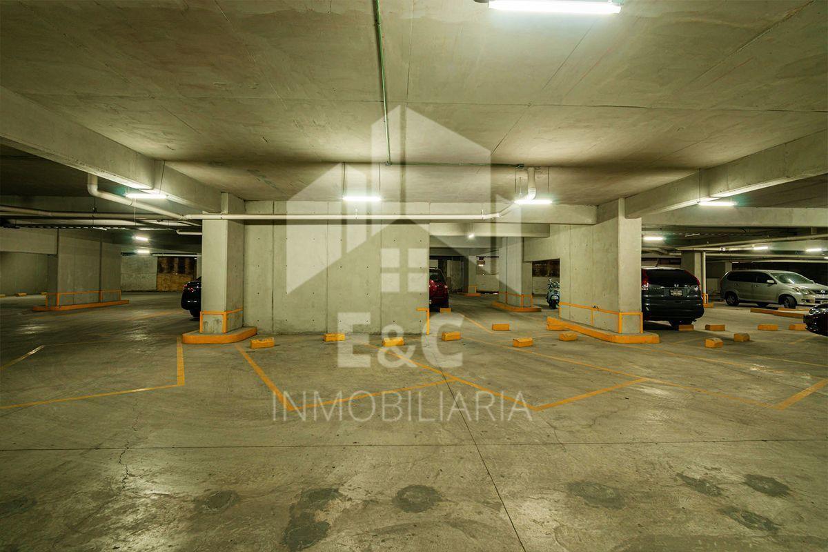 12 de 12: Area de estacionamientos