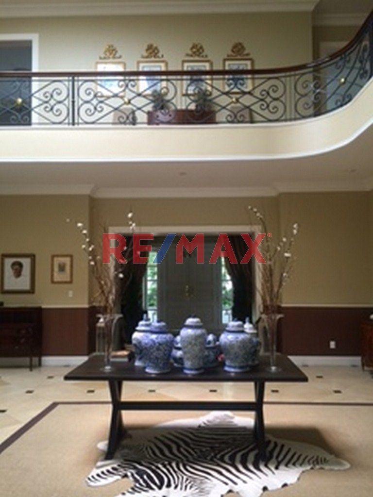 Remax real estate, Guatemala, Santa Catarina Pinula, Casa en Venta Urbanización Lomas del Bosque