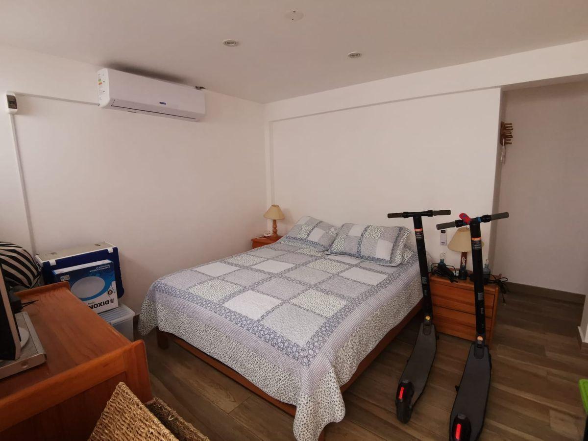 34 de 38: Dormitorio 4 con baño y aire acondicionado. Es independiente