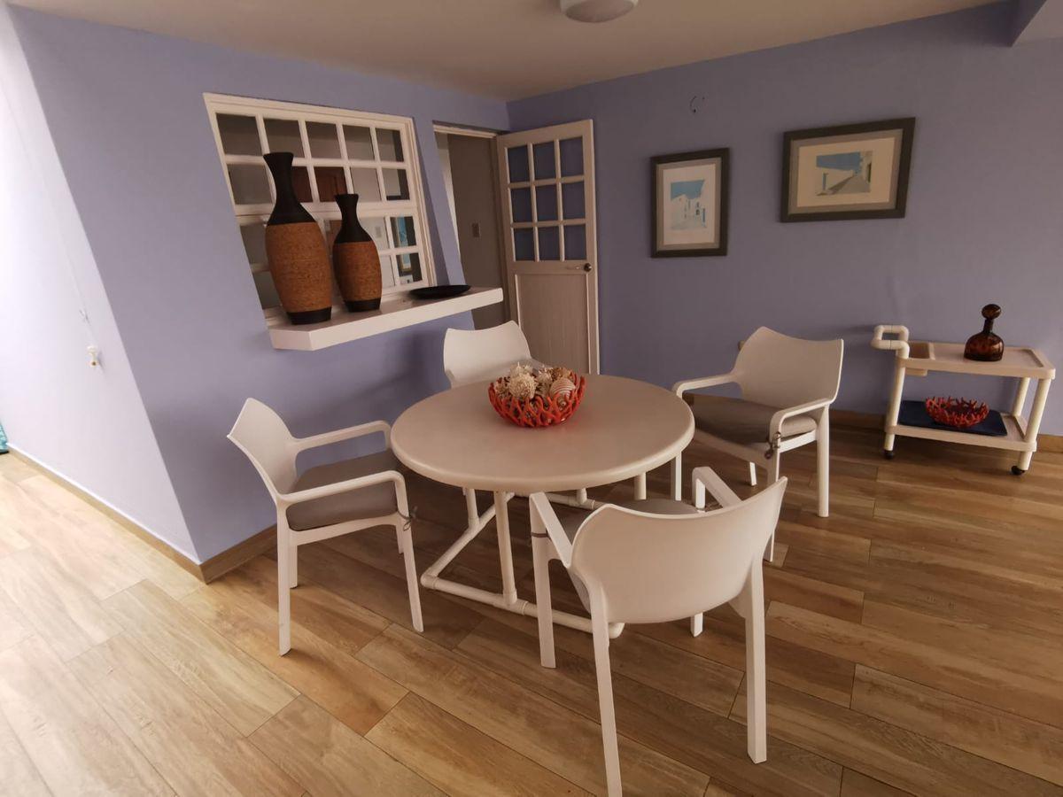 19 de 38: Linda Terraza de buen tamaño con espacio para varios muebles