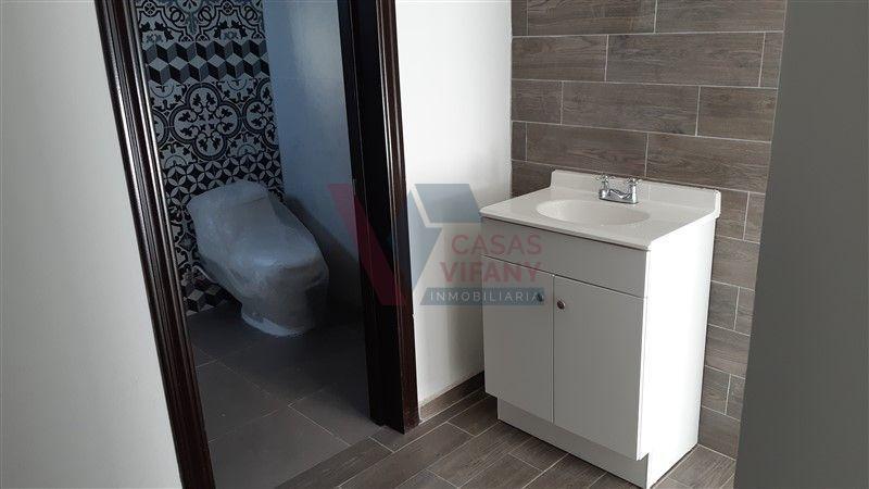 29 de 38: Baño privado, desde area de vestidor