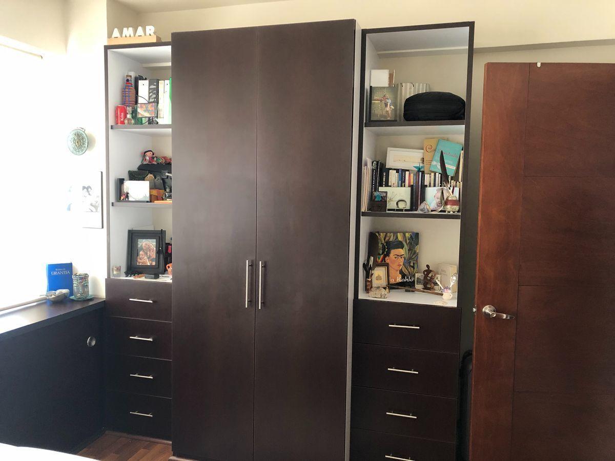 12 de 18: Closet habitación principal