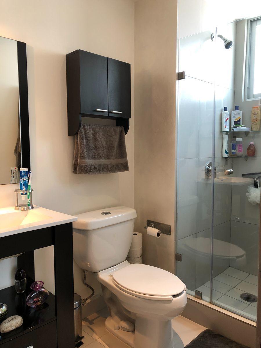 13 de 18: Baño habitación principal