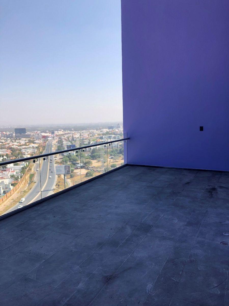 5 de 7: terraza privada del departamento