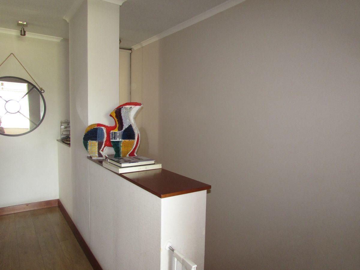 16 de 21: Pasillo segundo piso