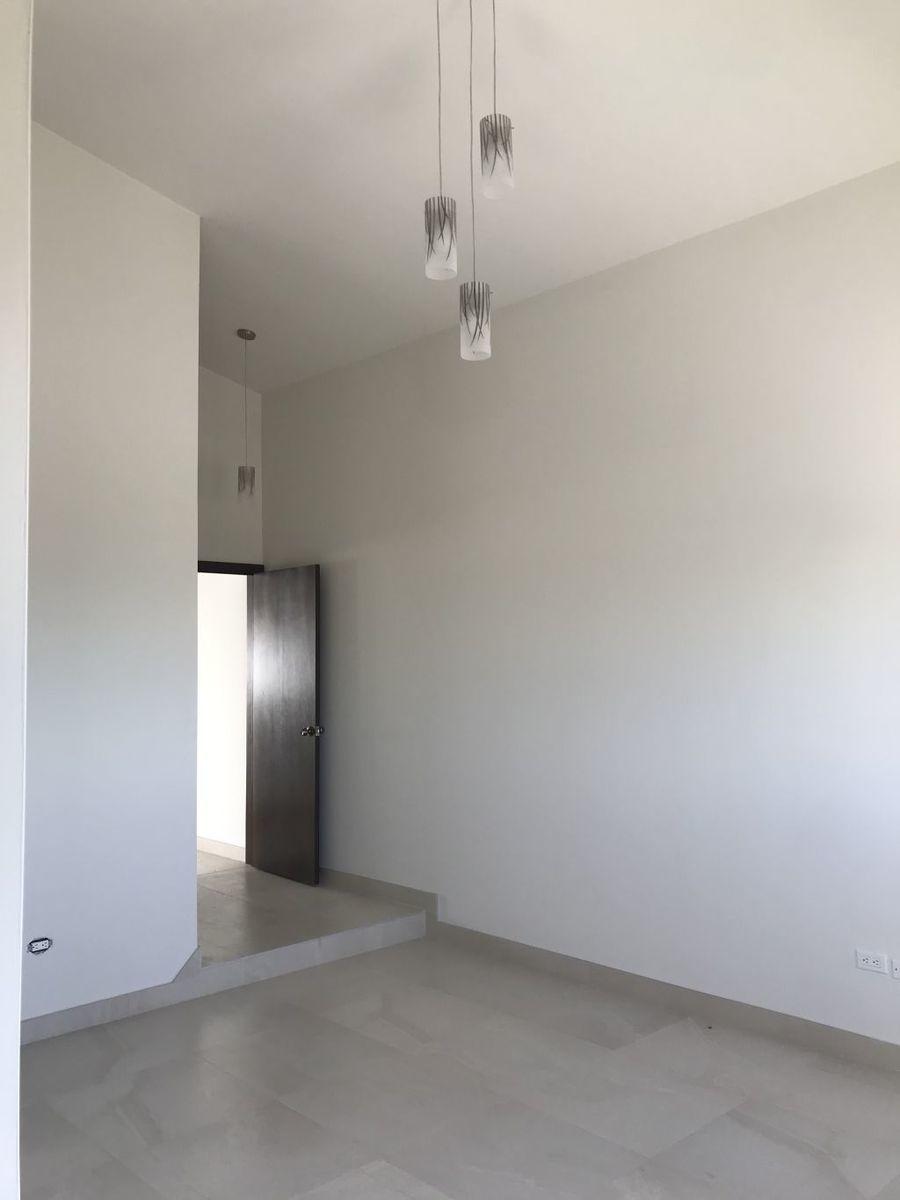 6 de 18: Interior