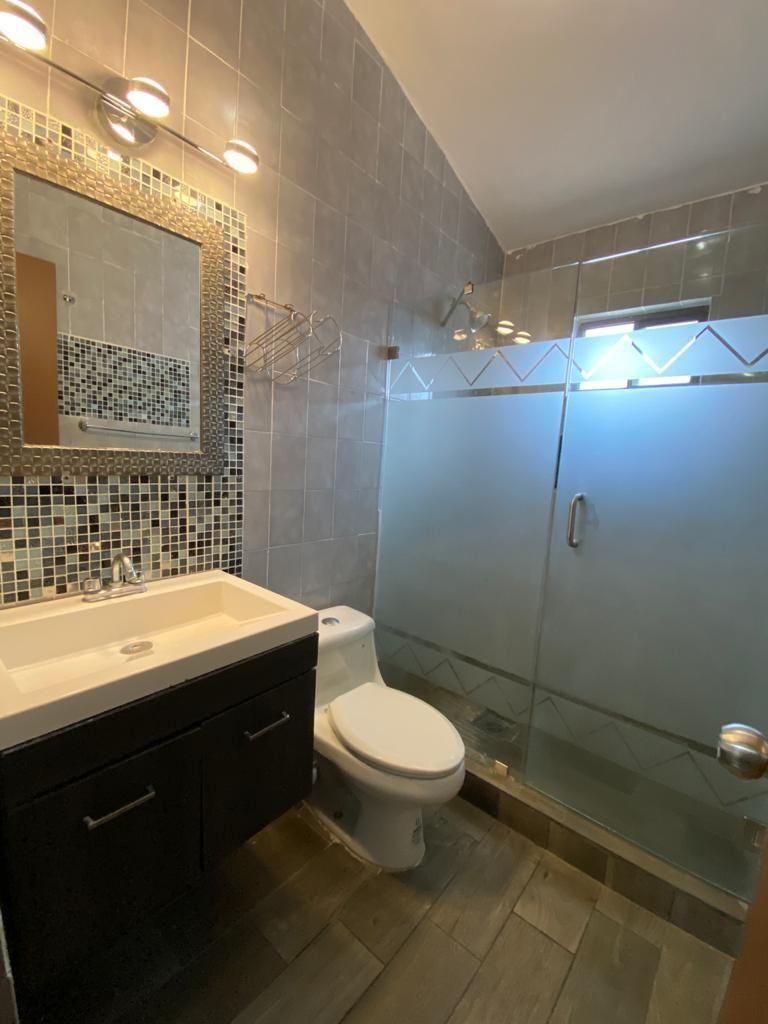 15 de 25: Baño Secundario