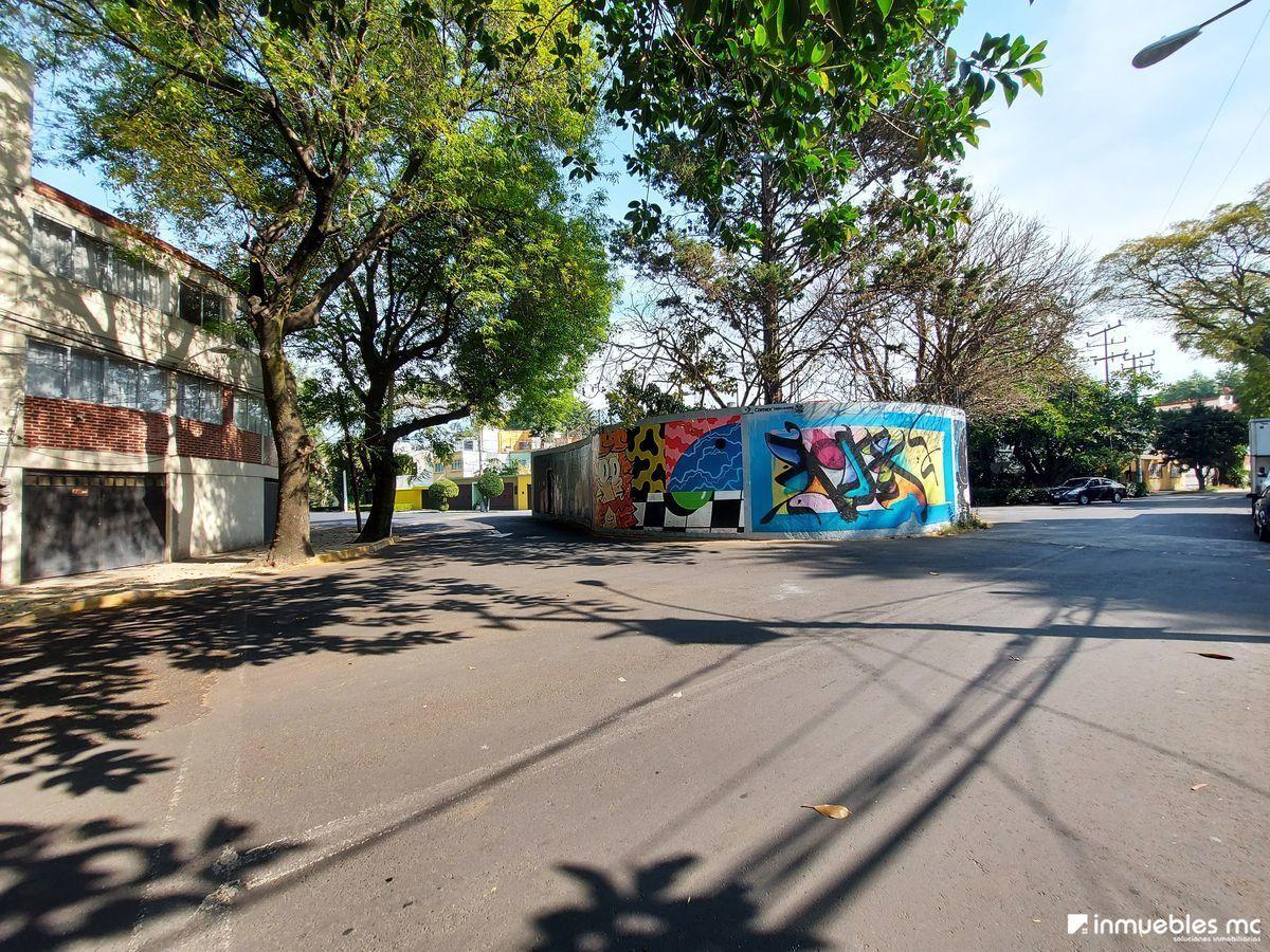 37 de 39: Vista de calle
