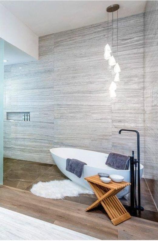 4 de 8: Amplios baños, cancelaría de cristal, innovadora iluminación