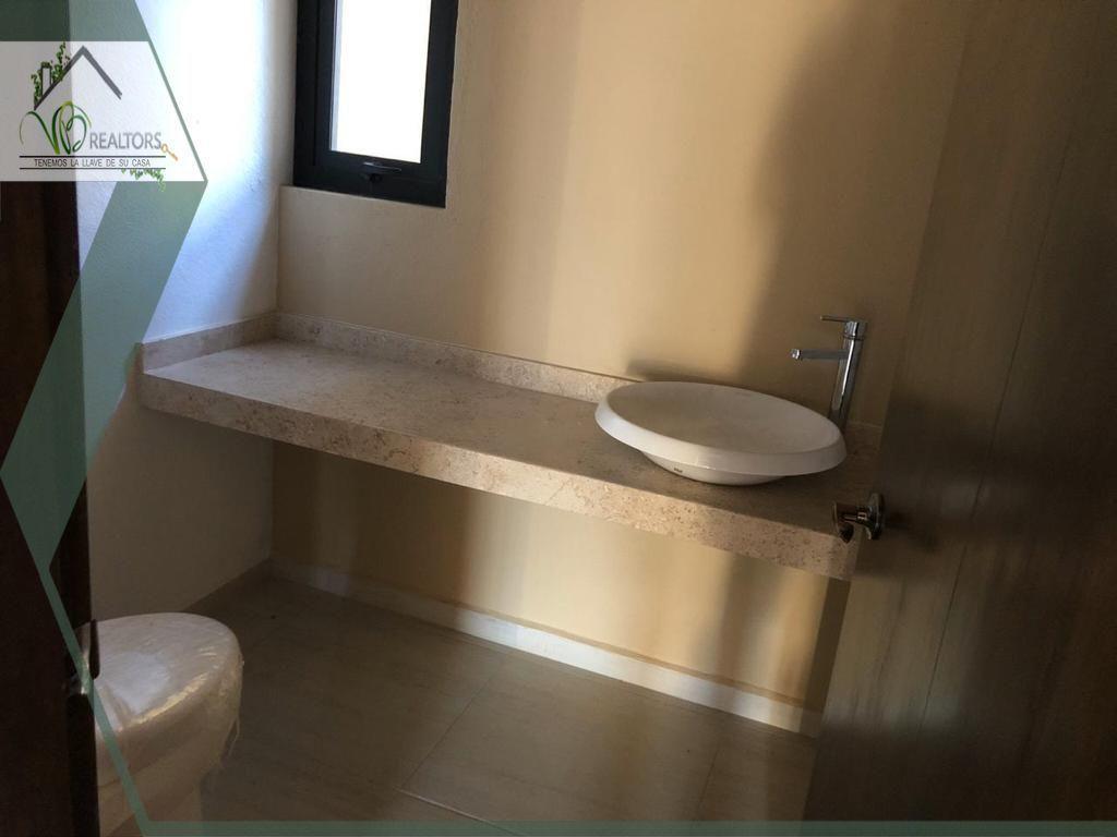 10 de 14: Todfos los baños tienen los mismos acabados