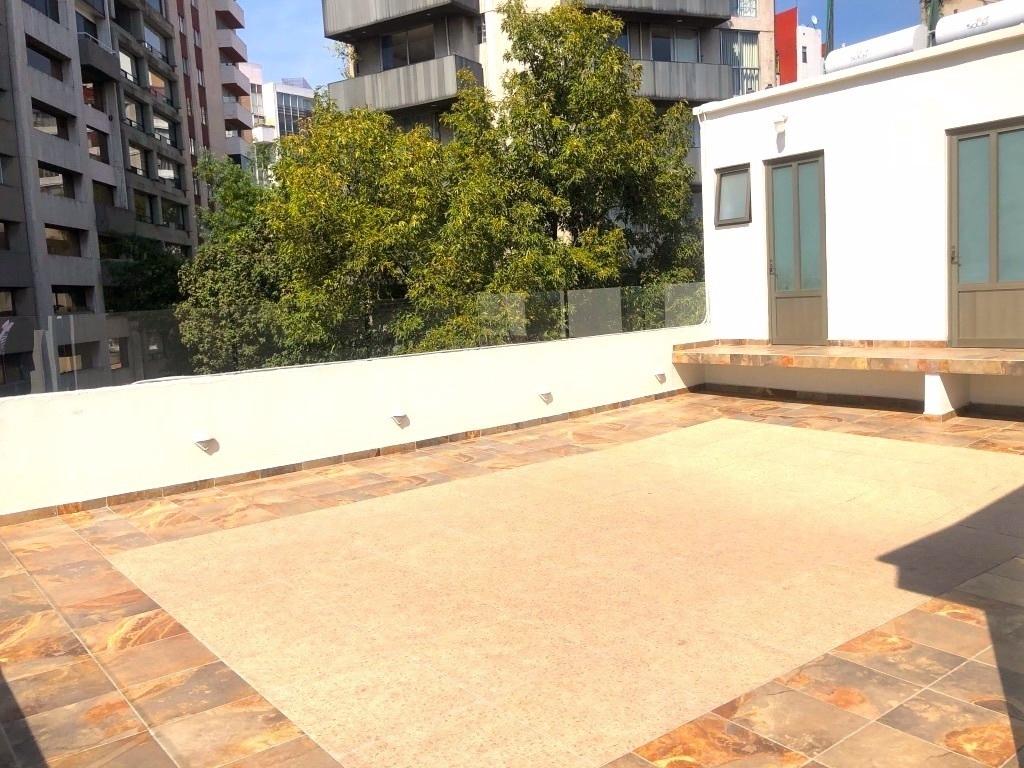 17 de 17: Roof garden, al fondo cuartos de servicio o lavado