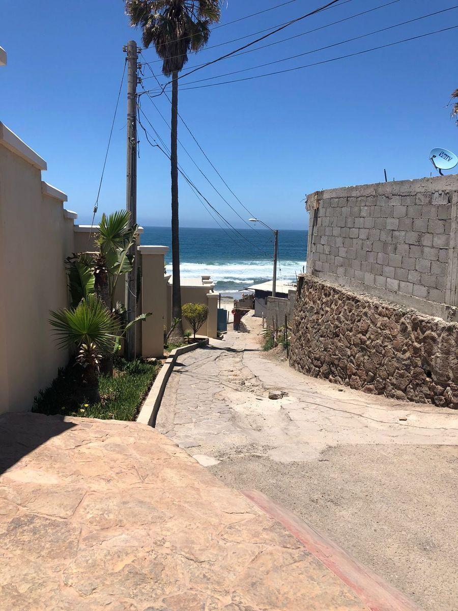 3 de 40: Callejón de acceso a Playa encantada a 30 metros
