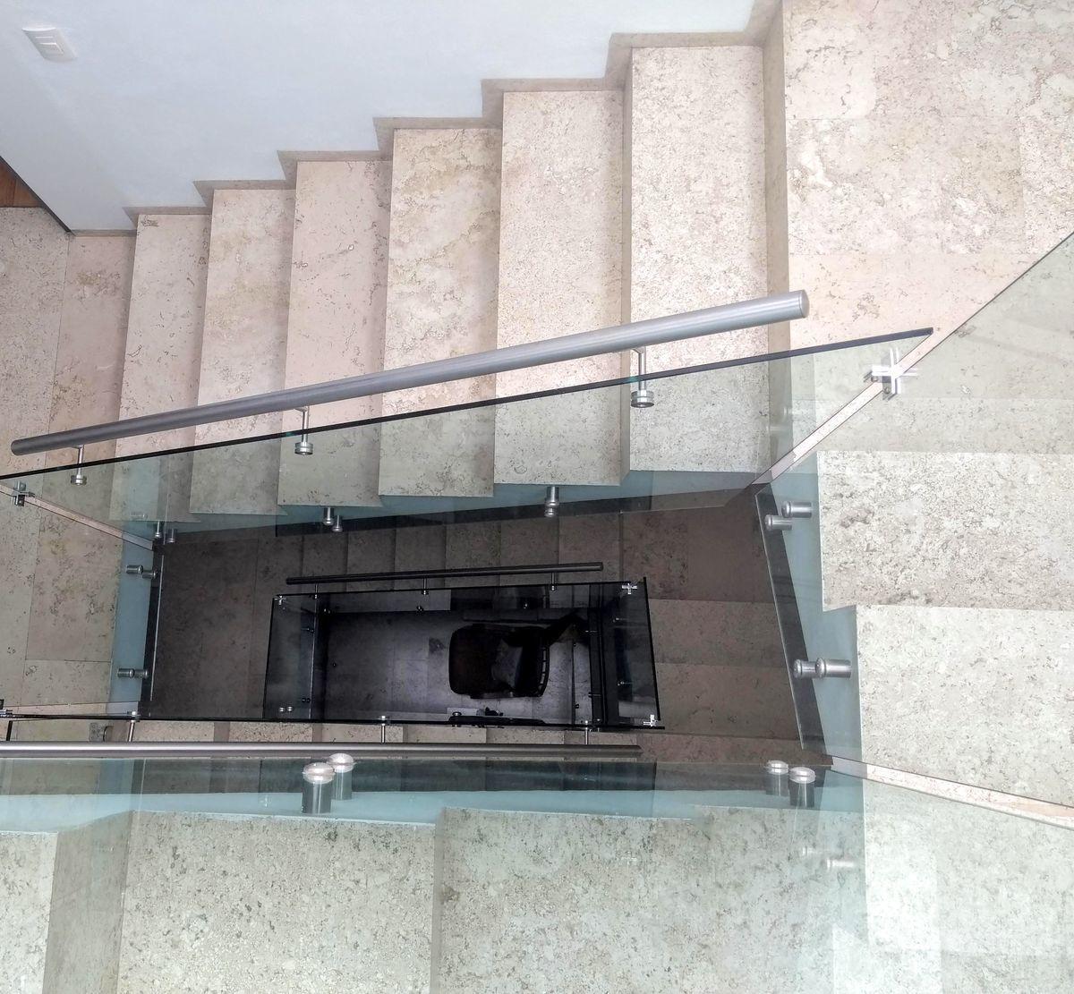 15 de 29: Cubo escalera