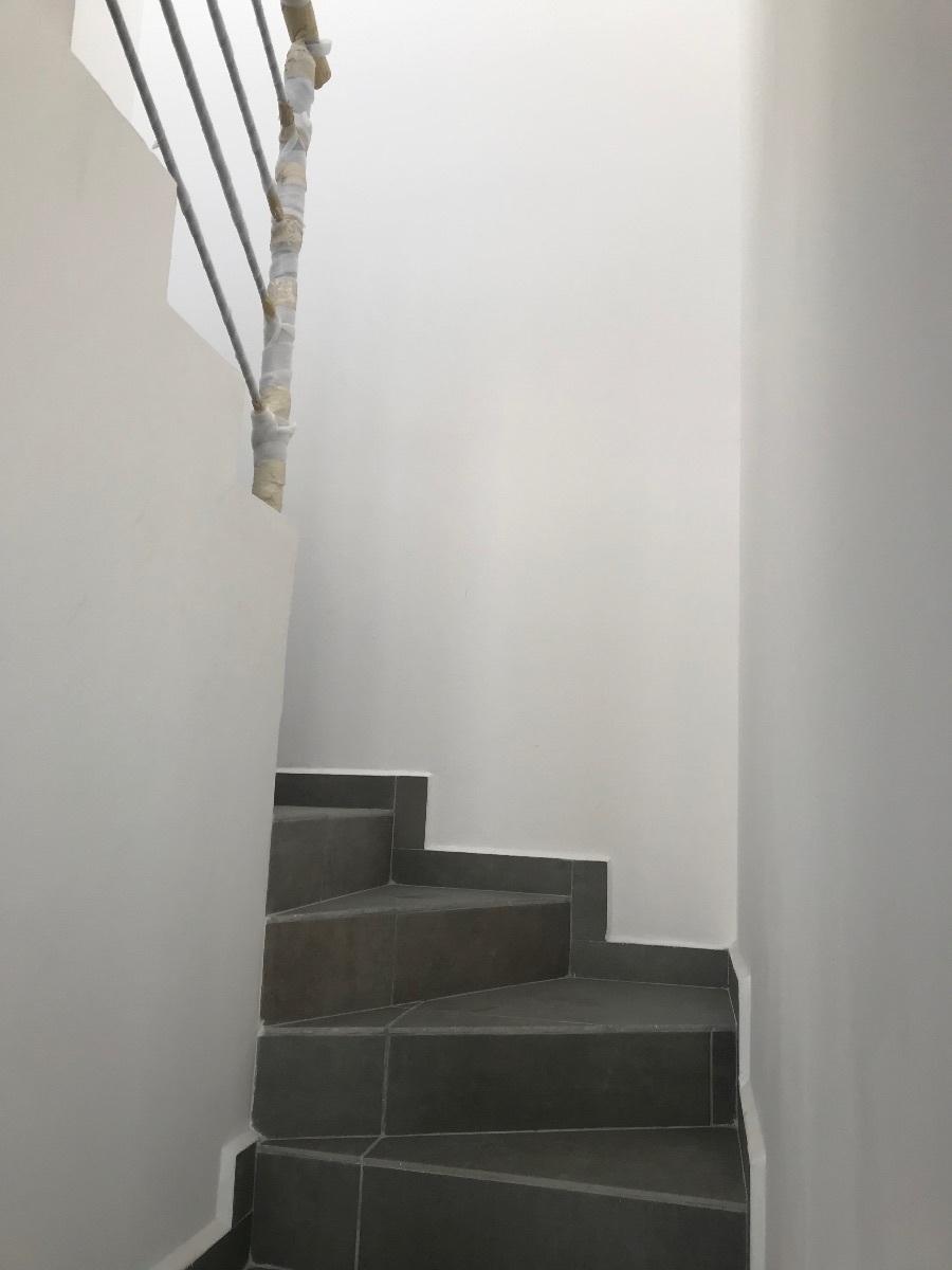 13 de 19: Escalera