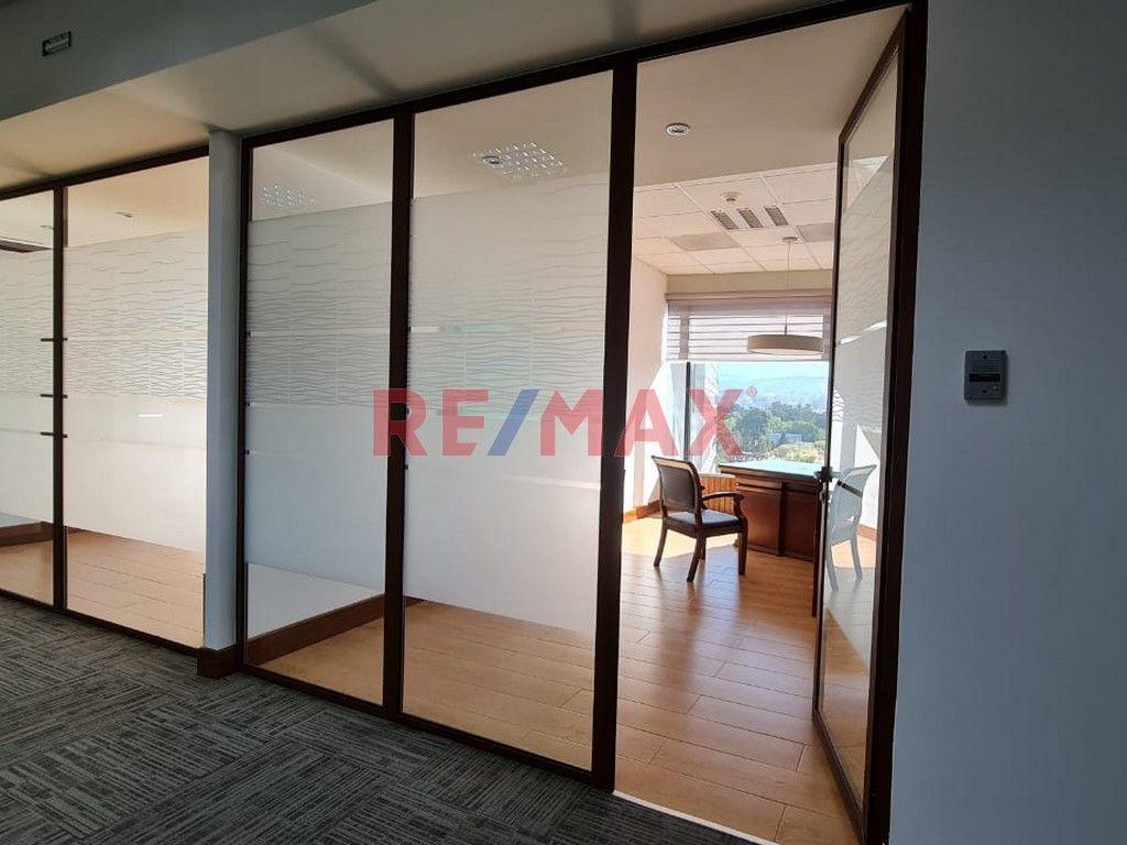 Remax real estate, Guatemala, Zona 10, Zona 10 Oficina en Edificio Interamericas Diagonal 6