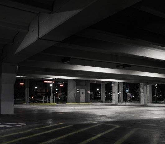12 de 12: Estacionamiento