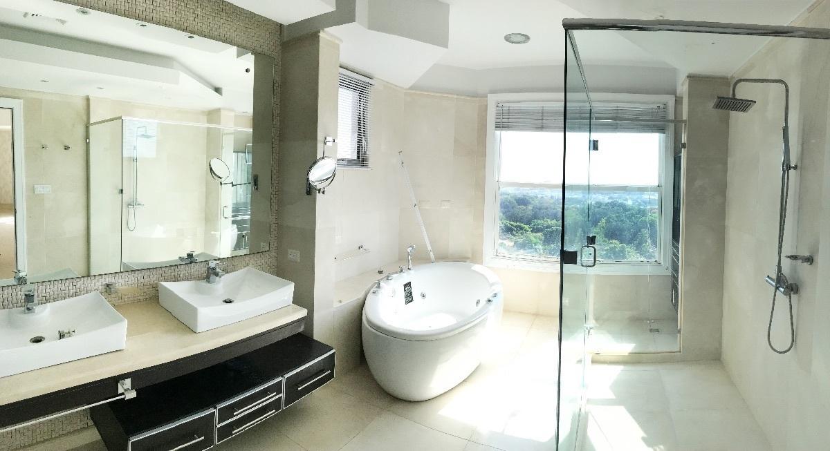 12 de 41: Baño habitacion principal