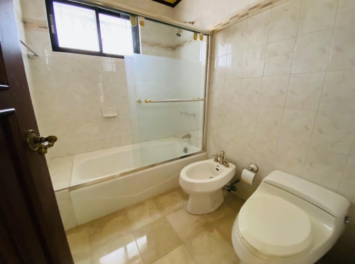 18 de 26: Amplios baños