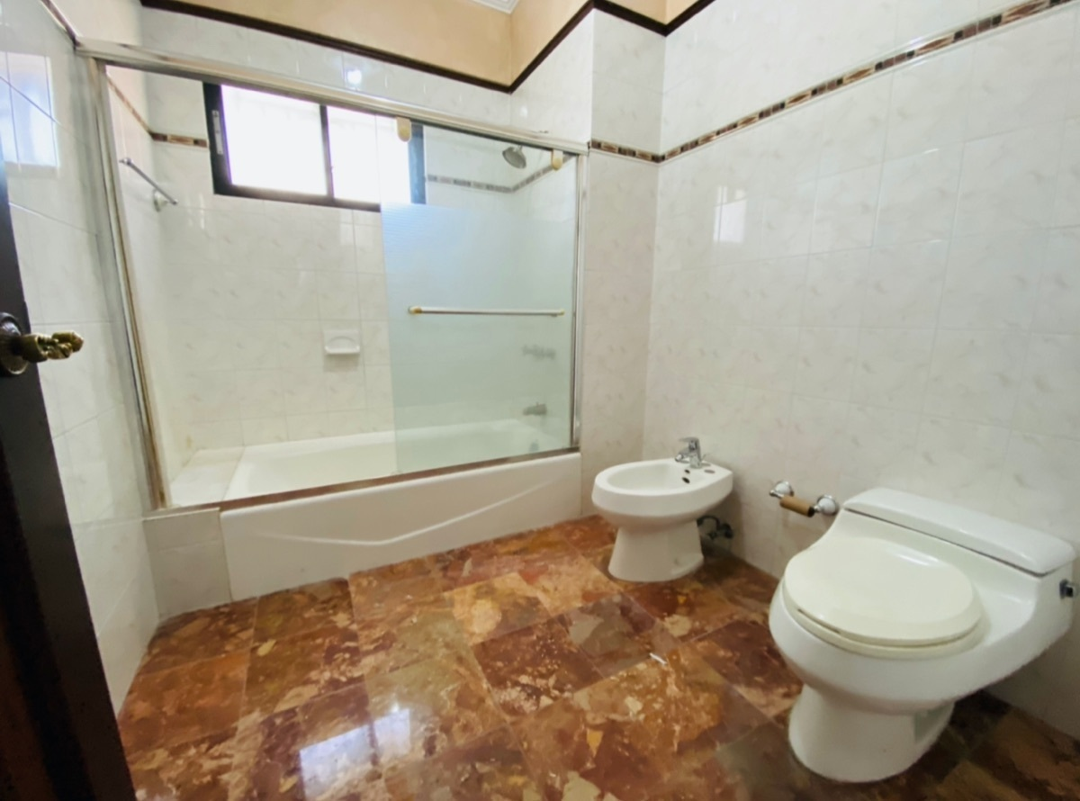 22 de 26: Amplios baños