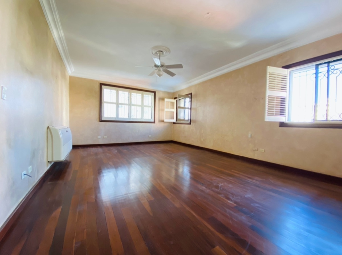 19 de 26: Habitación Principal con baño y vestidor