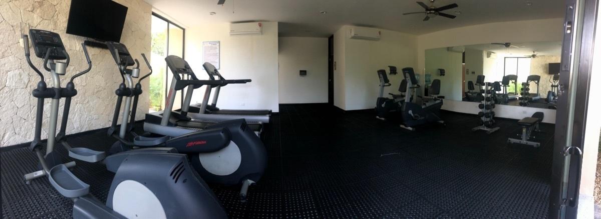 19 of 19: Gym