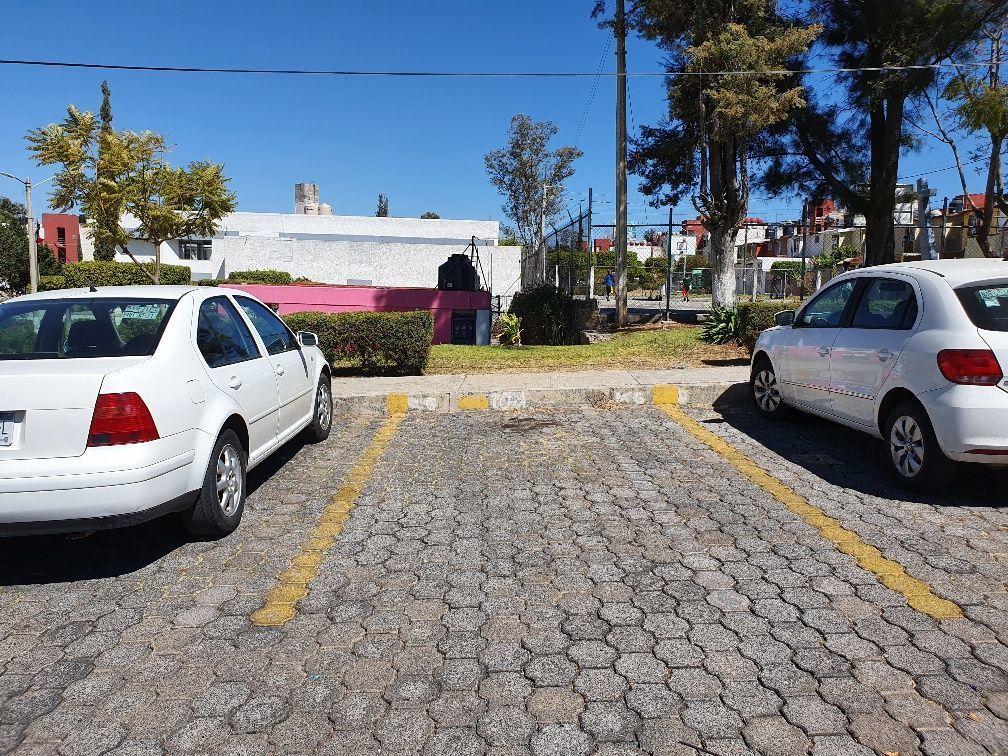 12 de 13: cajón de estacionamiento