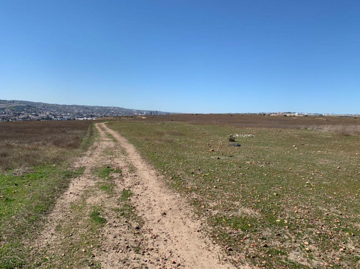 2 de 20: Vista de Terreno dos