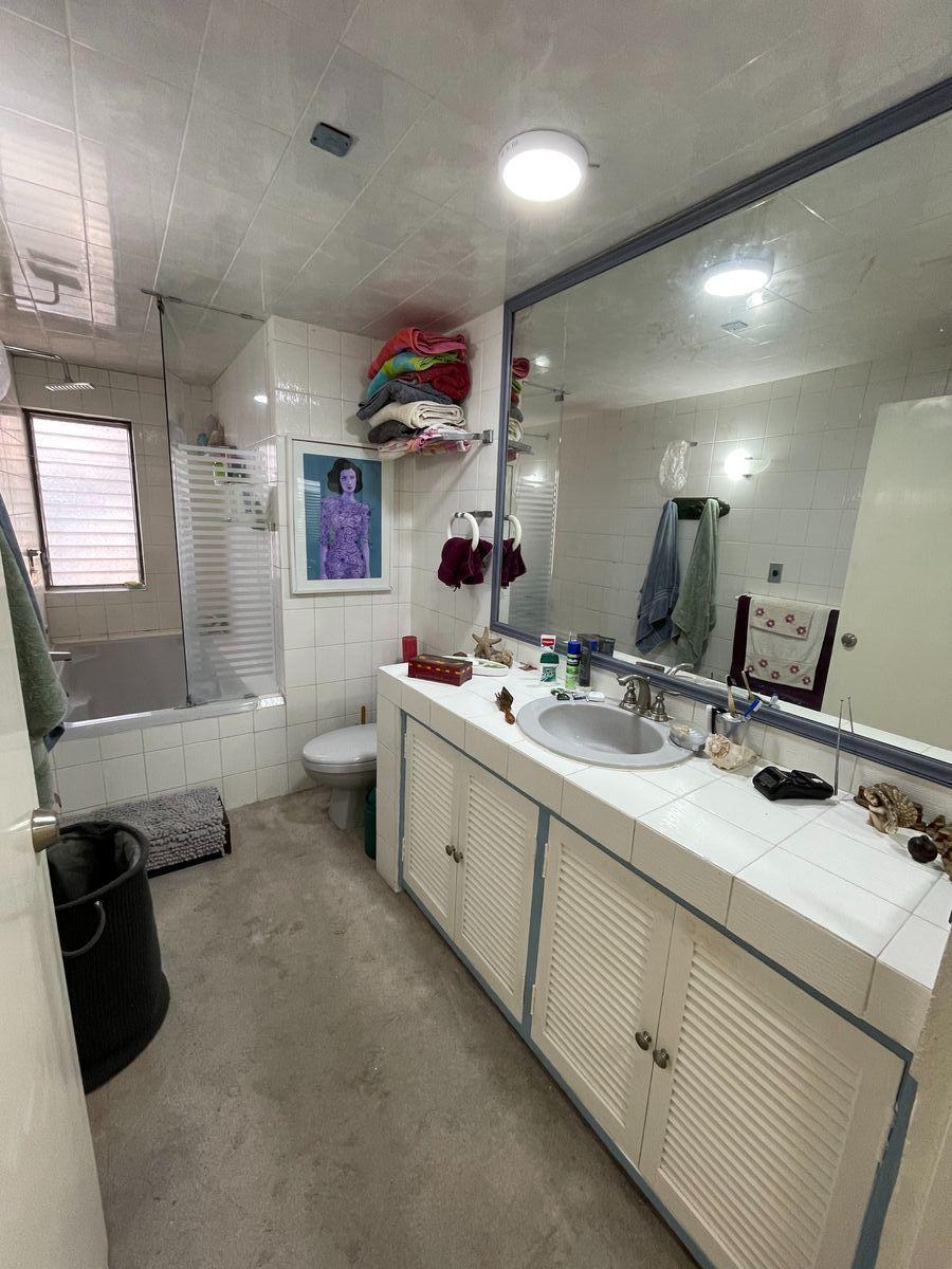 25 de 30: Baño recámara principal con tina de hidromasaje