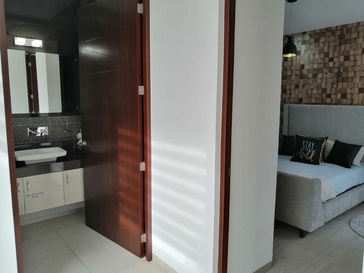 3 de 20: habitación y baño completo en planta baja