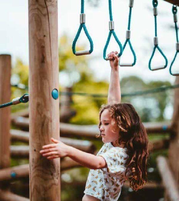 22 de 25: Área de Juegos Infantiles