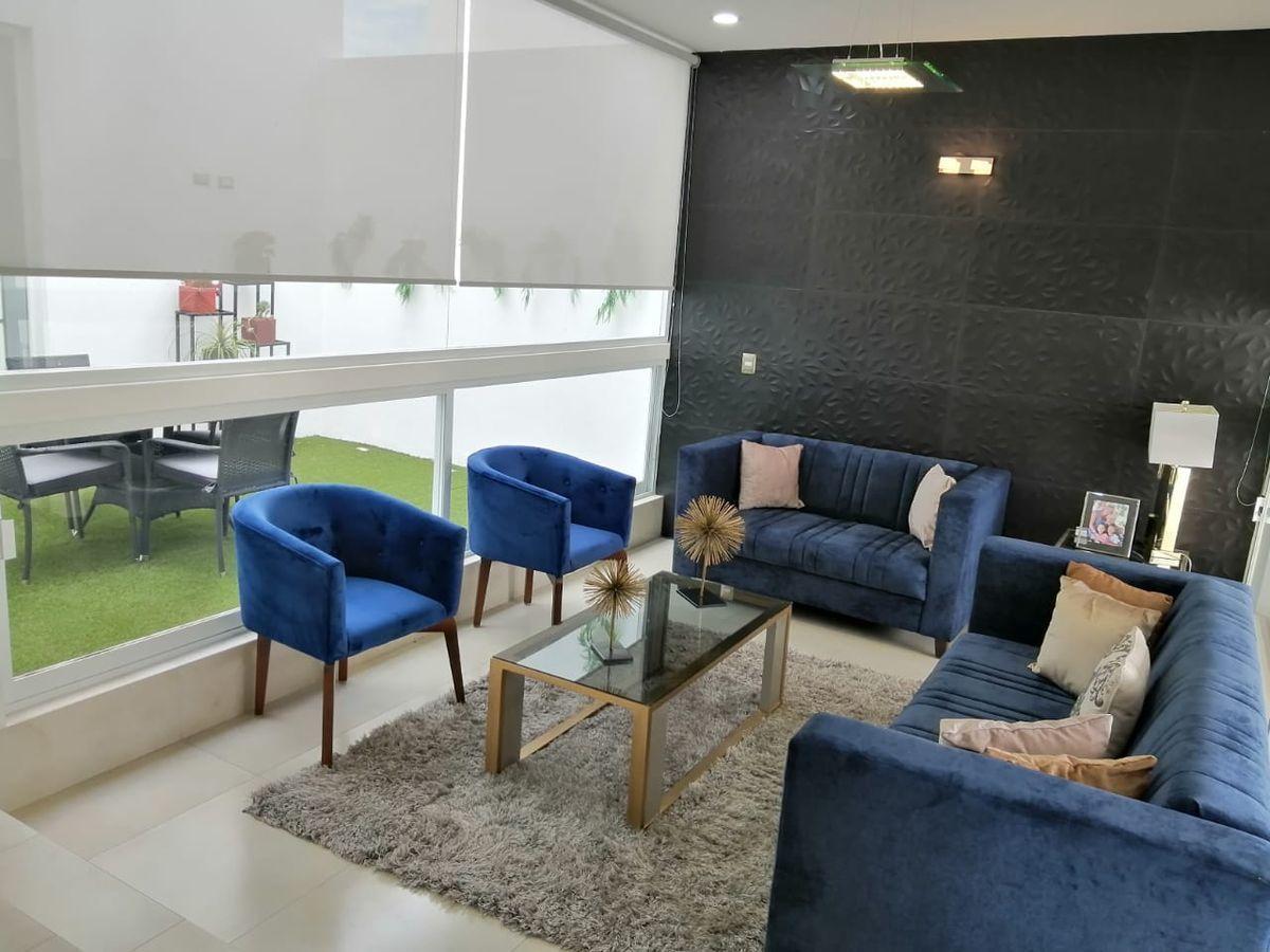 3 de 32: Ventanales piso a techo que aportan amplitud e iluminación.