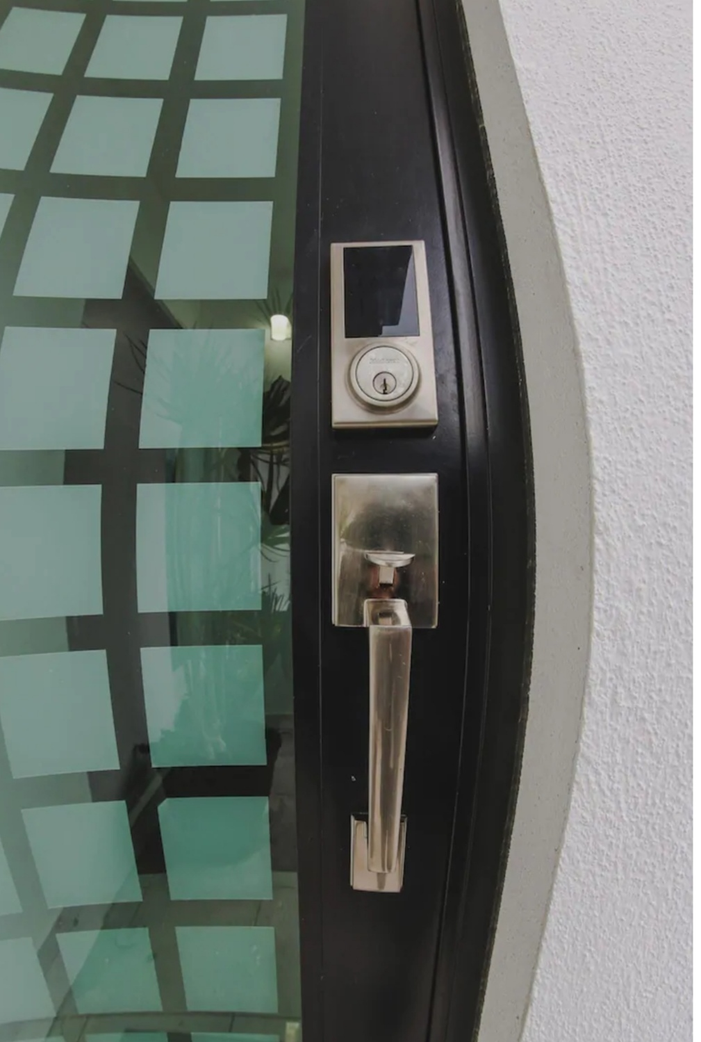 7 de 13: Puerta de seguridad
