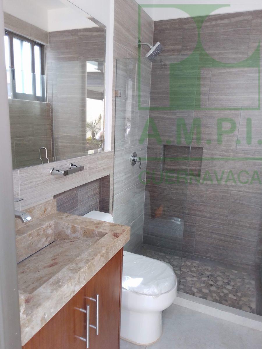 12 de 36: Habitaciones amplias con baño completo y vestidor, acabados