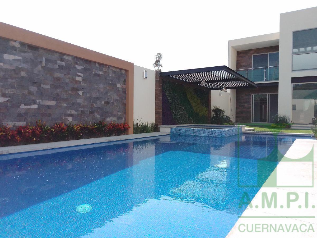 4 de 36: Alberca, jardín y terraza, Cuernavaca