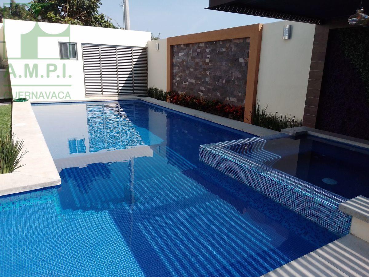 7 de 36: Alberca, jardín y terraza, Cuernavaca