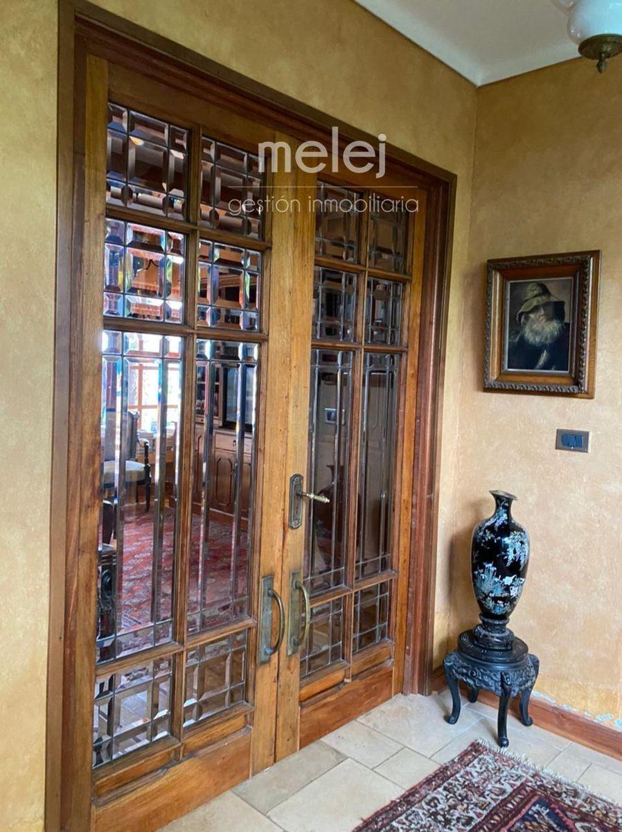 9 de 29: Maravillosa puerta doble de vidrio vicelado